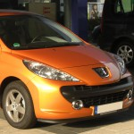 Peugeot 207 по интерьеру очень подходит девушкам