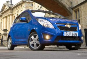 Chevrolet Spark, игрушечный с виду автомобиль имеет огромную популярность среди женщин
