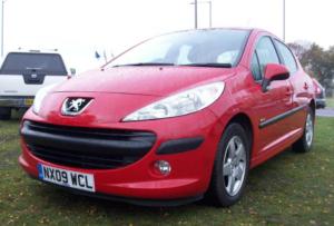 Peugeot 207 по праву считается лидером продаж в сегменте женских автомобилей