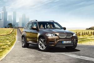 BMW X5 станет отличным спутником жизни для женщины, любящей удобство, комфорт и защищенность в салоне авто
